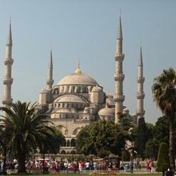 10 июня парусник ошвартовался в Стамбуле. Фото Александра Кучерука.
