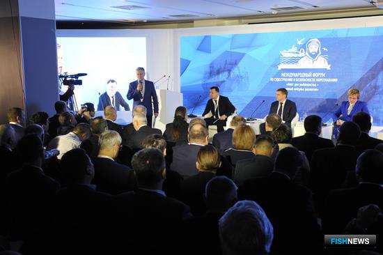 В марте в Мурманске на Международном форуме по судостроению и безопасности мореплавания «Флот для рыболовства – новый импульс развития» у рыбаков появилась возможность задать вопросы судостроителям