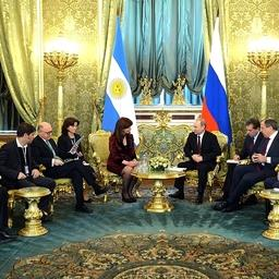 Встреча Владимира Путина и президента Аргентины Кристины Фернандес де Киршнер. Фото пресс-службы Кремля