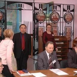 Круглый стол в Дальрыбвтузе для директоров школ, колледжей и лицеев «Совершенствование системы непрерывного образования «школа-вуз». Владивосток, март 2007 г.
