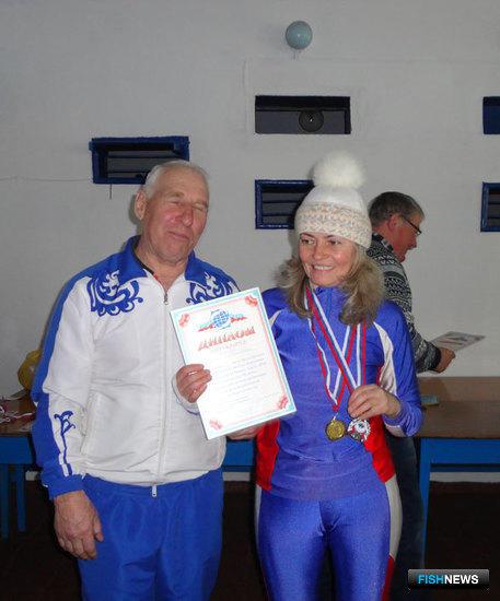 Несмотря на травму руки, преображенская лыжница Наталья СЕМЕНОВА стала серебряным призером в личном зачете и завоевала золото в командном первенстве