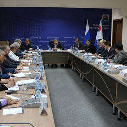 Накануне встречи с губернатором Борис Титов пообщался с представителями камчатского бизнес-сообщества. Фото пресс-службы правительства Камчатского края.