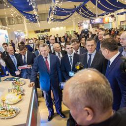 На открытии выставки «Дни Дальнего Востока в Москве» побывал курирующий вице-премьер – полпред президента в ДФО Юрий ТРУТНЕВ