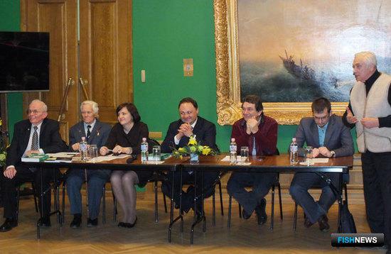 Во Владивостоке обсудили макет памятника китобоям