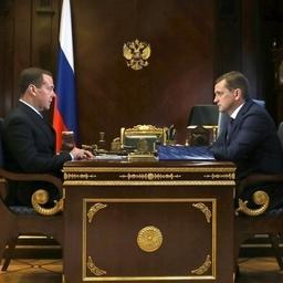 Премьер-министр Дмитрий МЕДВЕДЕВ провел встречу с руководителем Росрыболовства Ильей ШЕСТАКОВЫМ. Фото пресс-службы правительства