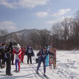 Финиширует серебряный призер соревнований Александр ЧЕТВЕРГОВ (ДМУ)