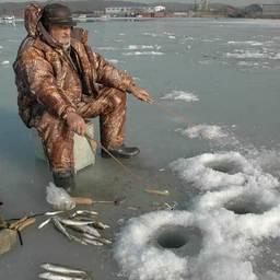 Подледная рыбалка. Владивосток, декабрь 2006 г.