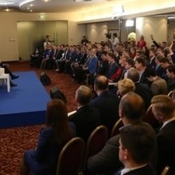 Премьер-министр Дмитрий МЕДВЕДЕВ выступил на форуме «Кандидат». Фото пресс-службы Правительства