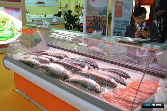 На выставке были представлены различные деликатесы из рыбы и морепродуктов