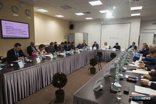 В Москве прошел круглый стол «Оценка эффективности дополнительного обременения при выдаче квот на вылов водных биологических ресурсов»