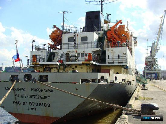 ТР «Коммунары Николаева» в Морском рыбном порту Санкт-Петербурга