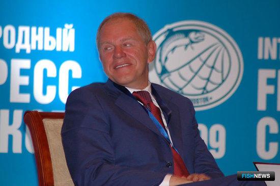 Руководитель Росрыболовства Андрей КРАЙНИЙ на Конгрессе рыбаков. Владивосток, 2009 г.