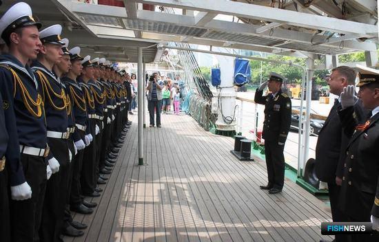 Торжественная встреча генерального консула РФ в Шанхае. Фото пресс-службы Дальрыбвтуза