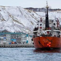 Танкер «Надежда» сел на мель в районе порта Невельск. Фото пресс-службы правительства Сахалинской области
