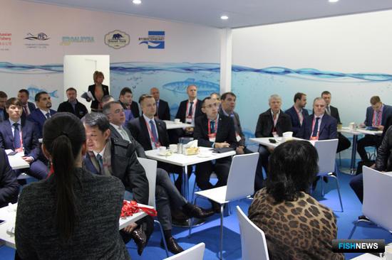 В рамках деловой программы выставки прошел завтрак с участием представителей бизнеса и власти