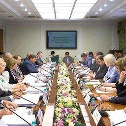 Профильный комитет Совета Федерации рекомендовал палате одобрить изменения в закон о рыболовстве. Фото пресс-службы СФ