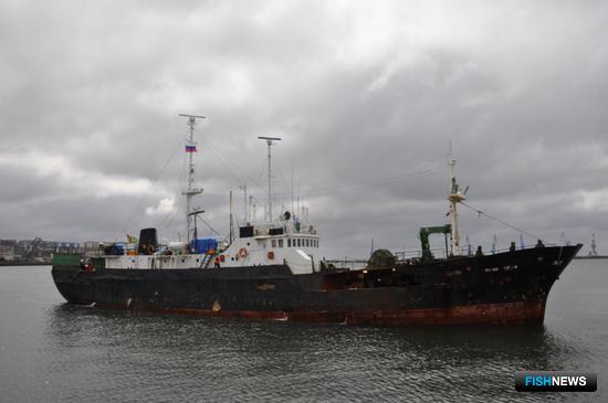Сахалинские пограничники задержали тоголезское судно Sky Wind. Фото пресс-службы Пограничного управления ФСБ России по Сахалинской области