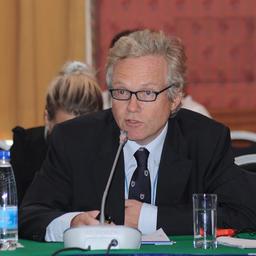 Старший сотрудник отдела продукции, торговли и маркетинга ФАО ООН Лем АУДУН