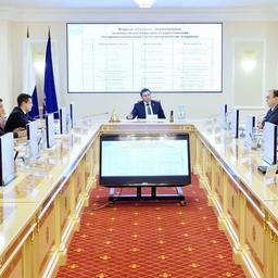 Расширенное заседание, посвященное состоянию рыбной отрасли и развитию аквакультуры Ямала, прошло в Салехарде. Фото пресс-службы правительства региона