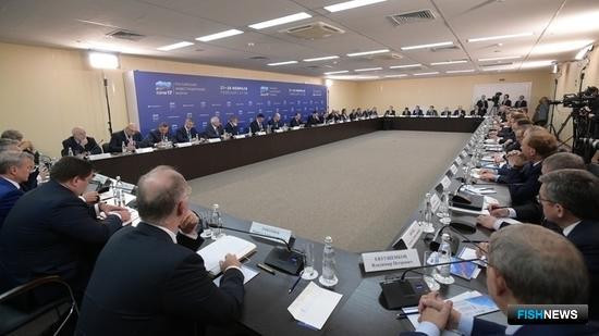 Встреча премьер-министра Дмитрия МЕДВЕДЕВА с представителями российских деловых кругов. Фото пресс-службы Правительства РФ