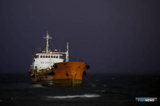 Танкер «Надежда» выбросило на мель в районе порта Невельск. Фото пресс-службы губернатора и правительства Сахалинской области