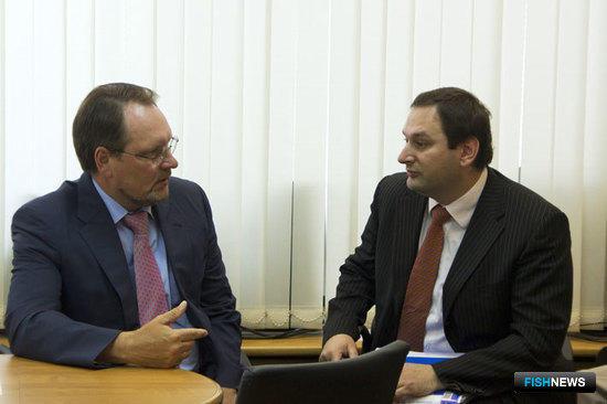 Первый заместитель министра сельского хозяйства Игорь МАНЫЛОВ и начальник Управления правового обеспечения Росрыболовства Евгений КАЦ