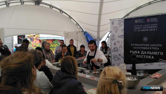 Большой популярностью пользовались шатры кулинарных школ