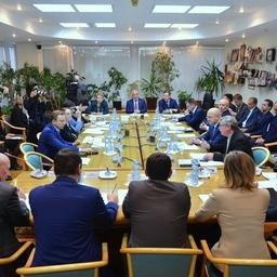 На площадке Комитета Госдумы по региональной политике и проблемам Севера и Дальнего Востока обсудили проблему жаберных сетей на Камчатке. Фото пресс-службы Росрыболовства