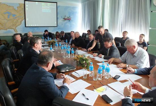 Члены Общественного экспертного совета Приморского края по рыбному хозяйству, водным биоресурсам и аквакультуре рассмотрели вопросы добычи зарывающихся моллюсков