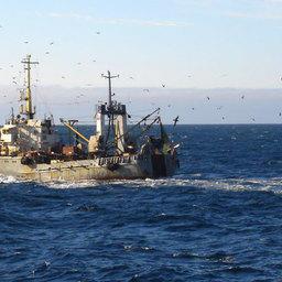 Рыболовецкий траулер