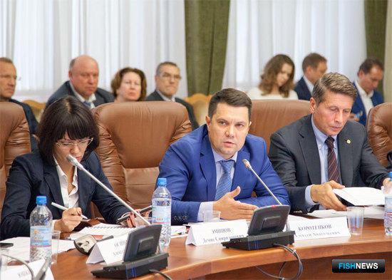 Выступает Министр агропромышленного комплекса и торговли Архангельской области Алексей КОРОТЕНКОВ
