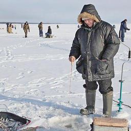 Соревнования по зимней любительской рыбалке в Карелии. Фото пресс-службы Северо-Западного теруправления Росрыболовства