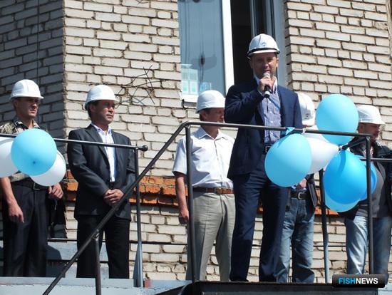 В торжественной обстановке коллектив Ливадийского ремонтно-судостроительного завода поблагодарили за хорошую работу