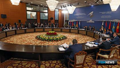 По итогам второго заседания Евразийского межправительственного совета было подписано Соглашение о зоне свободной торговли между ЕАЭС и Вьетнамом. Фото пресс-службы ЕЭК
