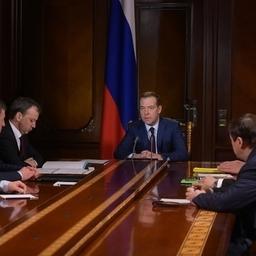 Глава Правительства Дмитрий Медведев на совещании с вице-премьерами. Фото пресс-службы кабмина