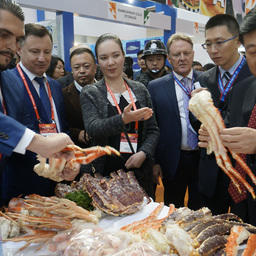 Среди первых российский национальный стенд посетил замминистра сельского хозяйства Китая