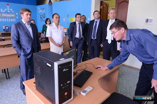 После встречи Георгий Ким провел экскурсию по зданию университета. Фото центра общественных связей ФАР