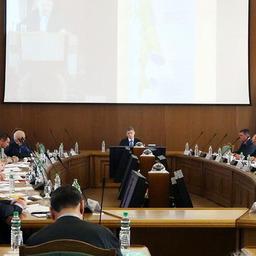 Глава Сахалинской области Олег Кожемяко провел заседание регионального рыбохозяйственного совета. Фото Юрия Яременко.