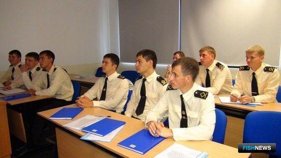 Двенадцатидневная программа обучения получилась максимально насыщенной. Фото пресс-службы Дальрыбвтуза.