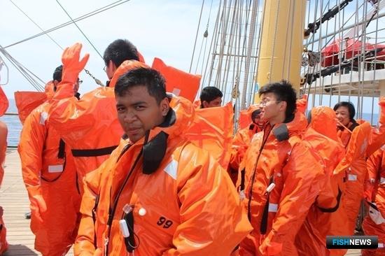 На «Палладе» прошли практику кадеты Сингапурской морской академии. Фото пресс-службы Дальрыбвтуза.