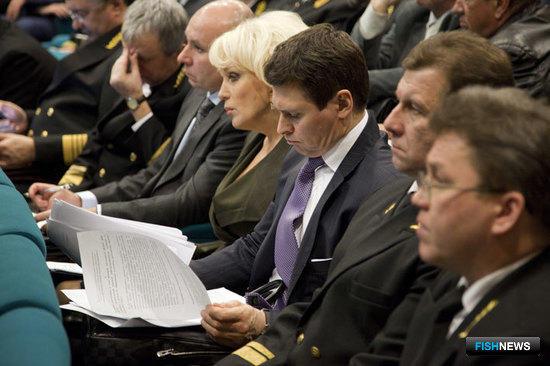 В заседании коллегии приняли участие руководители теруправлений и подведомственных организаций Росрыболовства, а также члены Общественного совета
