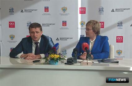 Руководитель Федерального агентства по рыболовству Илья ШЕСТАКОВ и губернатор Мурманской области Марина КОВТУН