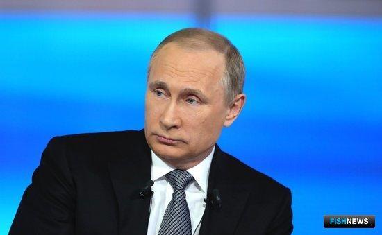 Президент Владимир ПУТИН во время «Прямой линии». Фото пресс-службы Кремля