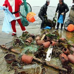 Морские девы помогают Санта-Клаусу