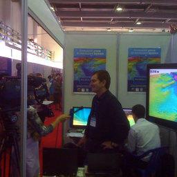 На стенде 6-й Международной специализированной выставки «Перспективы развития рыбной отрасли-2009». Владивосток, сентябрь 2009 г.