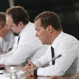Премьер Дмитрий МЕДВЕДЕВ на совещании о сохранении, предотвращении загрязнения и рациональном использовании Волги. Фото пресс-службы Правительства РФ