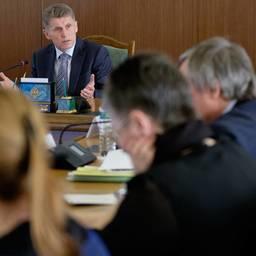 Врио губернатора Сахалинской области Олег Кожемяко поручил в кратчайшие сроки представить предложения по созданию территорий опережающего развития в регионе. Фото пресс-службы областного правительства