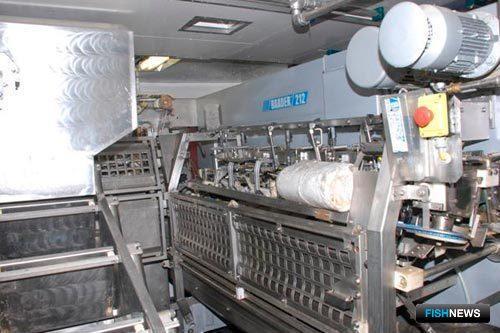 Филетировочная машина BAADER 212, размещенная в цеху этого судна