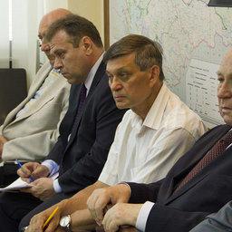 Президент ВАРПЭ Александр ФОМИН (второй слева) и председатель правления ассоциации «Росрыбхоз» Василий ГЛУЩЕНКО (крайний справа)