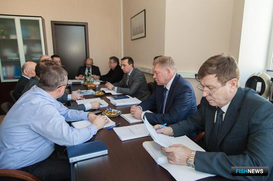В ВАРПЭ состоялось заседание совместной рабочей группы Пограничной службы ФСБ России и представителей рыбопромышленных объединений